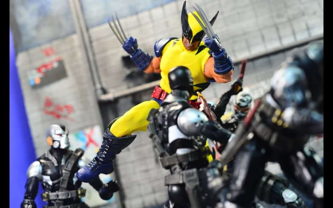 NYCC 2017 Mezco One:12 Exclusive Wolverine (Classic) Tiger Stripe Review